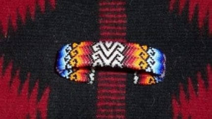 How to Create Beautiful Bracelets From Peyote Stitch Patterns